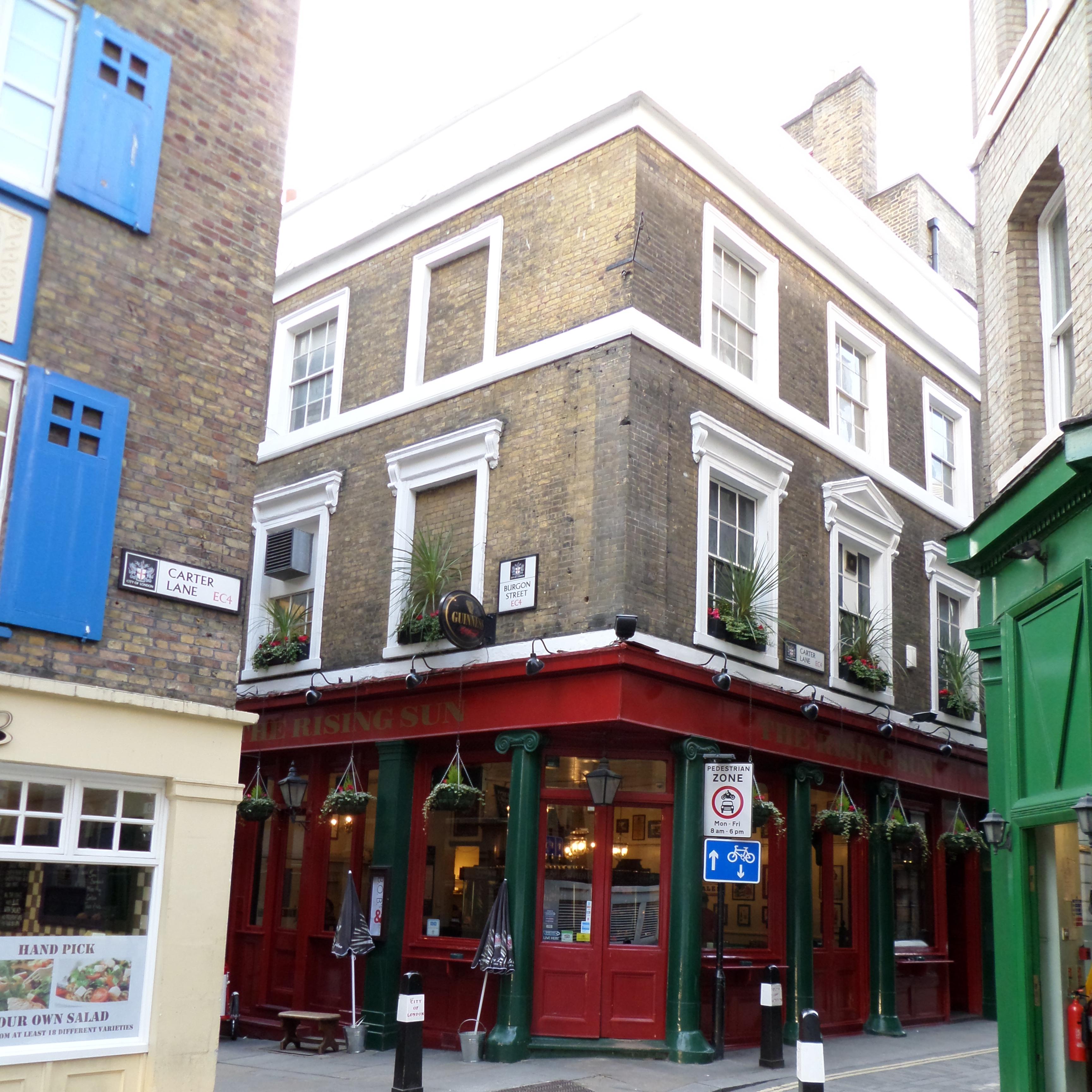 London city pubs r n foster for Crown motor inn gun hill